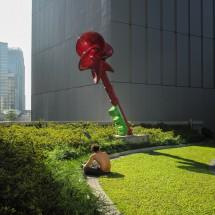 Stadtschlüssel und Sonnenanbeter im Regierungsviertel Admiralty (2013)