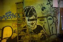 Graffiti und Leiter in der Staveley Street, Central (2014)