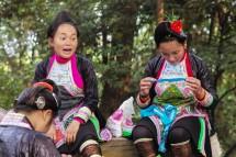 Miao-Mädchen, feingemacht für Touristen (2016)